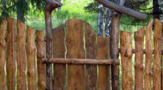 Делаем забор из горбыля своими руками