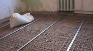 Использование и укладка армирующей сетки для стяжки пола