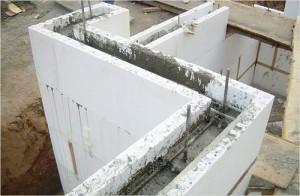 Заливаем бетон в опалубку для перекрытий