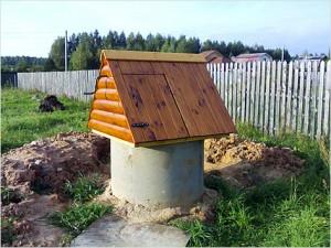 Домик для колодца из бетонных колец