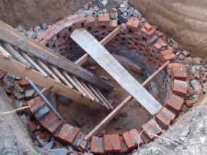 Пример сливной ямы из кирпича