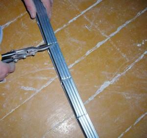 Делаем надрезы с помощью ножниц
