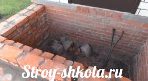 Верхняя ступень - делается таким образом, чтобы можно было ее скрепить с помощью песка и бетона и придать  единое целое конструкции