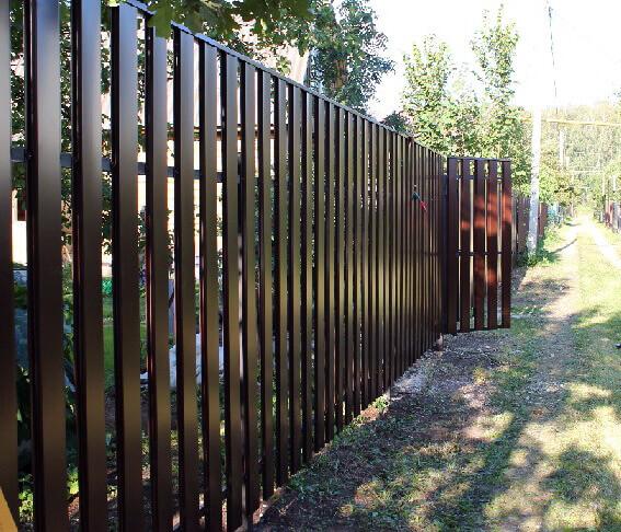 Забор из штакетника своими