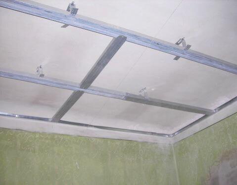 Как сделать потолок из профиля