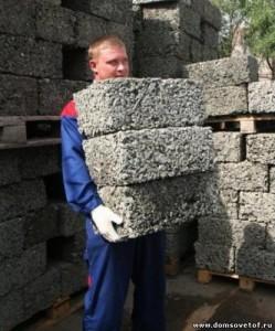 Арболитовые блоки обладают малым весом