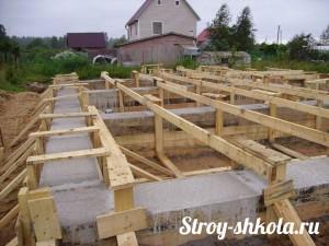 Заливка (бетонирование) свайно-ленточного фундамента