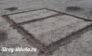 Процесс нанесения разметки под фундамент