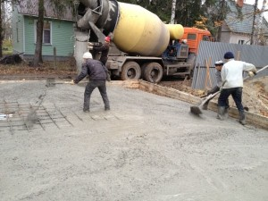 Заливку фундамента бетоном лучше производить за 1 раз
