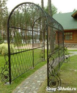 Длинная садовая арка
