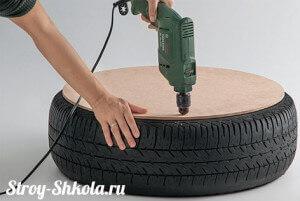 Просверливаем отверстия в фанере и в шине