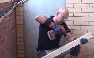 Насверливаем деревянную балку