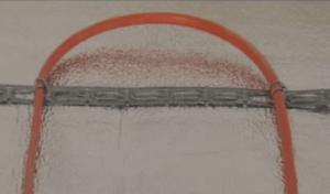 Образец крепления нагревательного элемента электрического пола к монтажной ленте