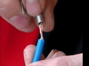 Обжимаем соединительные кабели