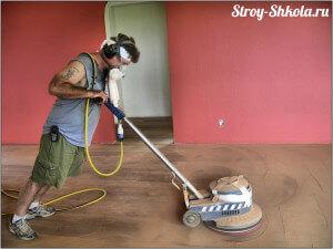 Процесс циклевания деревянного пола фото