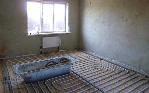 Размещаем трубы водяного отопления перед стяжкой