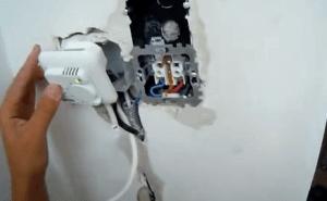 Устанавливаем терморегулятор и включаем его