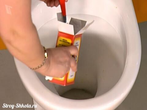 Прочистка унитаза содой - простой способ