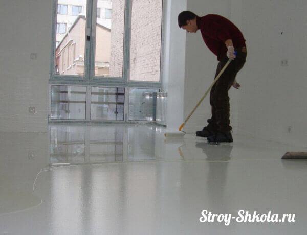 Рис. 7 Разравнивание самовыравнивающейся стяжки по поверхности