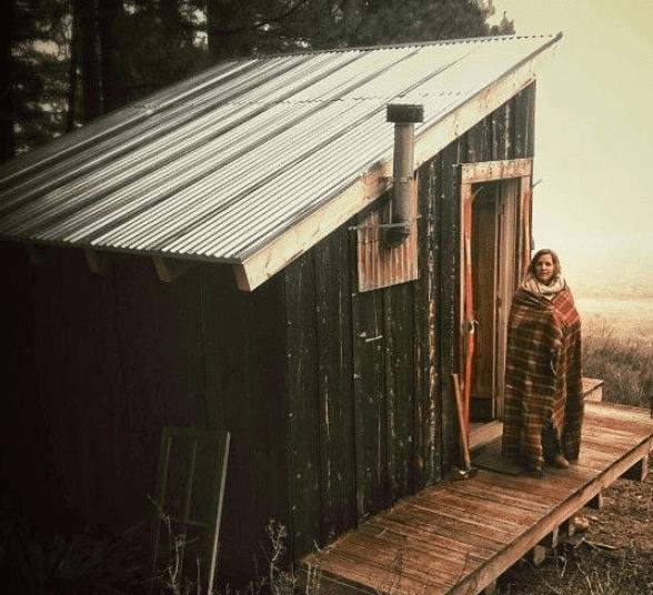 Пример простейшего дачного домика из