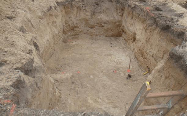 Длина и ширина котлована должны превышать размеры погреба на 30 – 40 см.