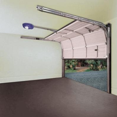 Внутренний вид секционных ворот для гаража