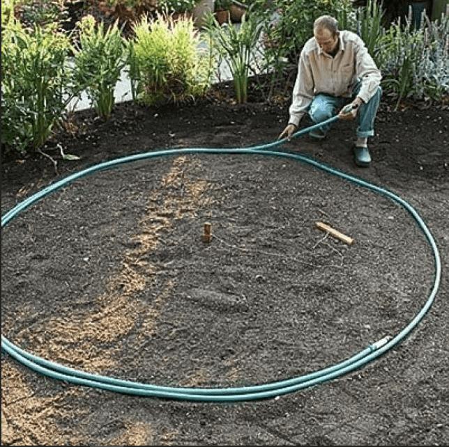 Разметка круглой площадки шлангом