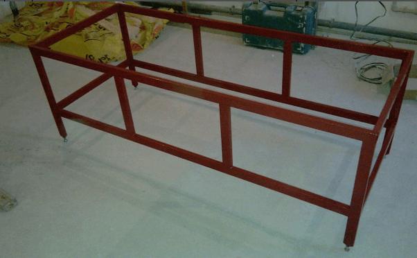 Металлический каркас для ванны из профилированной трубы 40х25 мм