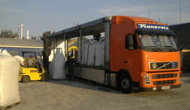 Специально оборудованные автоприцепы для перевозки биг-бэгов с гранулами