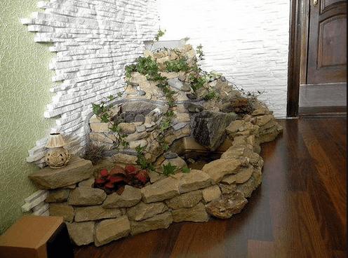 Более простой вариант альпийской горки с отделкой стен декоративным камнем