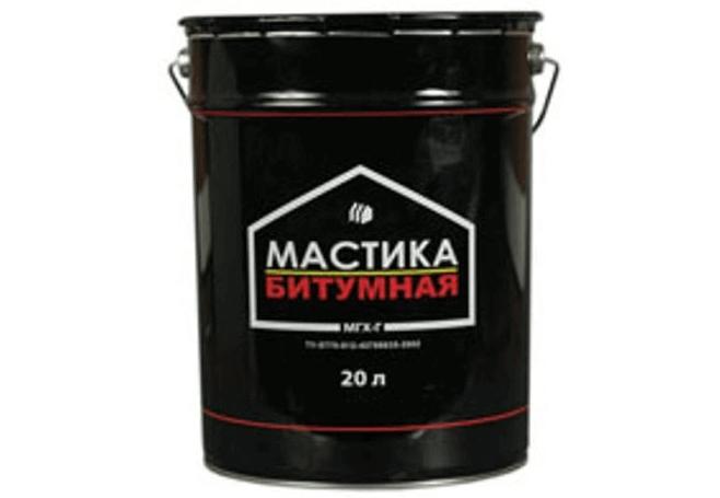 В такой упаковке продается битумная мастика для кровли