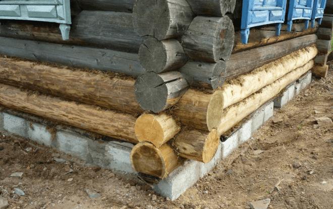 Деревянный дом с поменянными нижними венцами