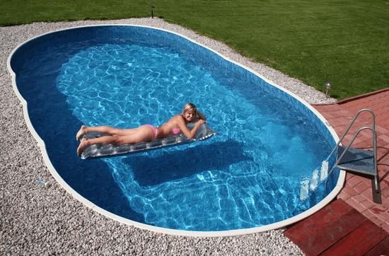 Бассейн на даче – возможность наслаждаться свежестью и прохладой в любую жару