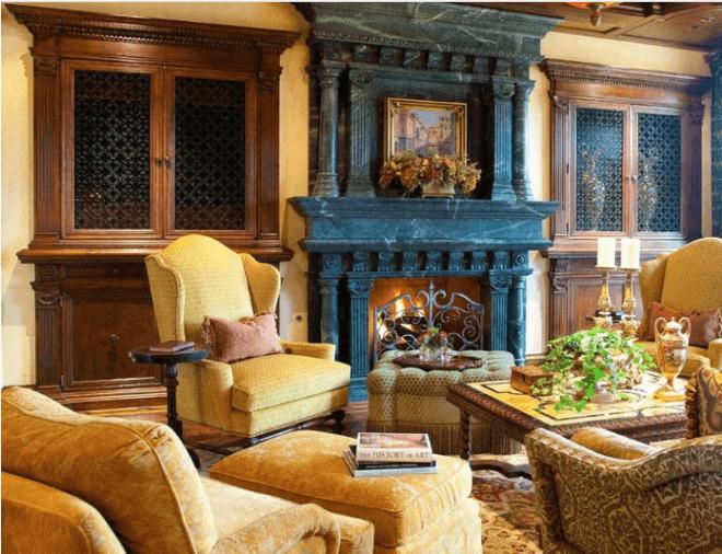 Типичное убранство гостиной в стиле рококо