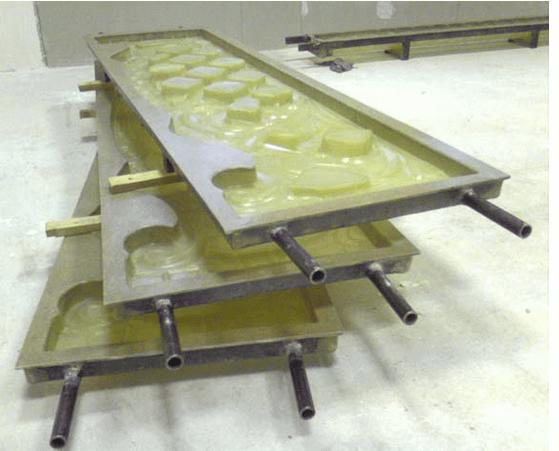 Такие формы для отливки деталей заборов можно приобрести в магазине или изготовить самостоятельно