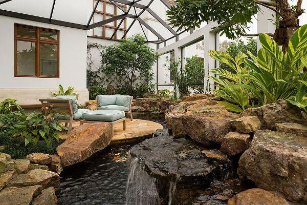 Зимний сад с водоемом