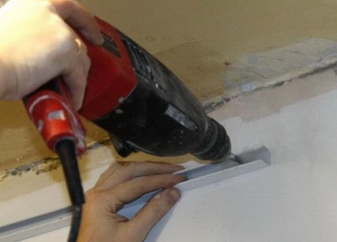 Монтаж короб на потолке из гипсокартона с подсветкой