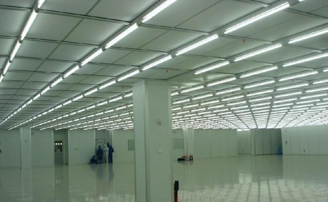 светодиодная лампа т8 1200 мм очень часто используется для освещения офисных, учебных и даже складских помещений.