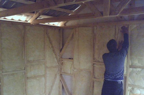 Как утеплить стены в бане